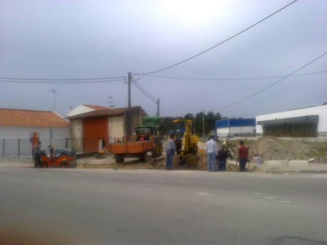 construcao_de_valeta_e_remate_em_alcatrao