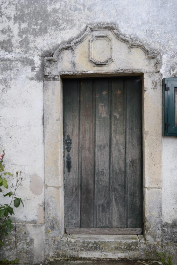 porta_lateral_do_mosteiro_de_coz
