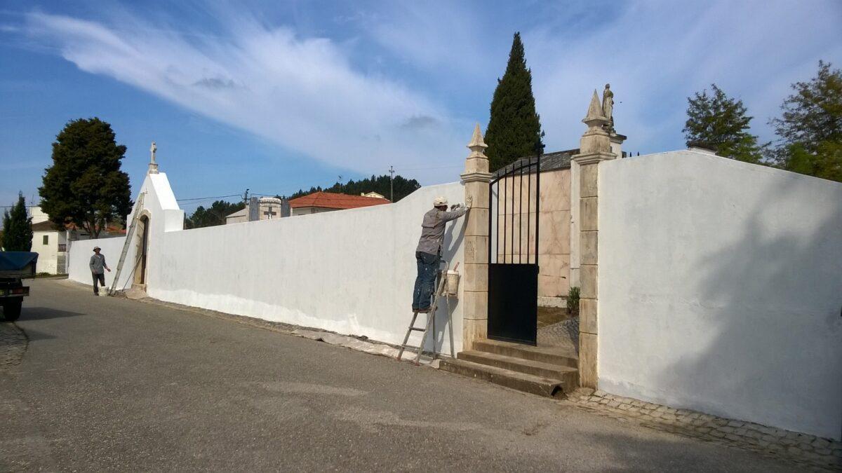 pintura_e_manutencao_do_muro_do_cemiterio_de_alpedriz