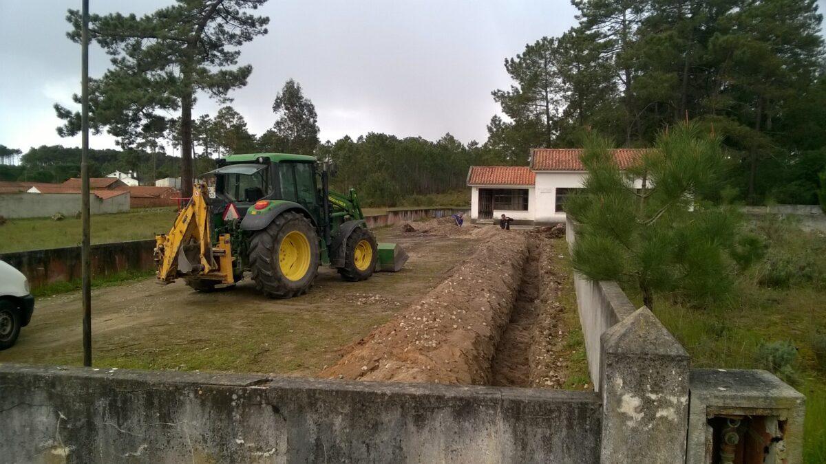 construcao_de_conduta_de_agua_da_rede_para_a_escola_da_ribeira