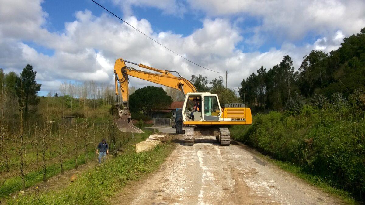 rebotim_construc_de_muro_para_suporte_de_terras_e_e_alargamento_da_estrada