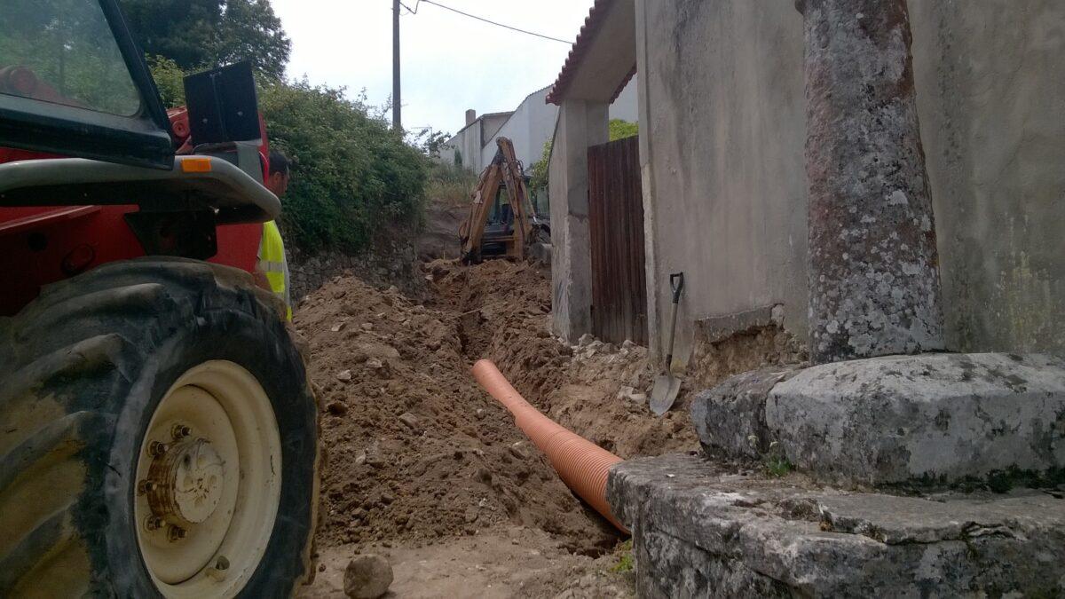 rua_da_pauliteira_coz_construcao_de_conduta_pluvial