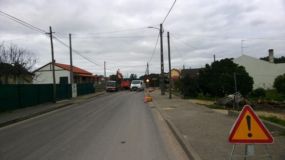 obras_de_escoamento_das_aguas_pluviais_na_avenida_d
