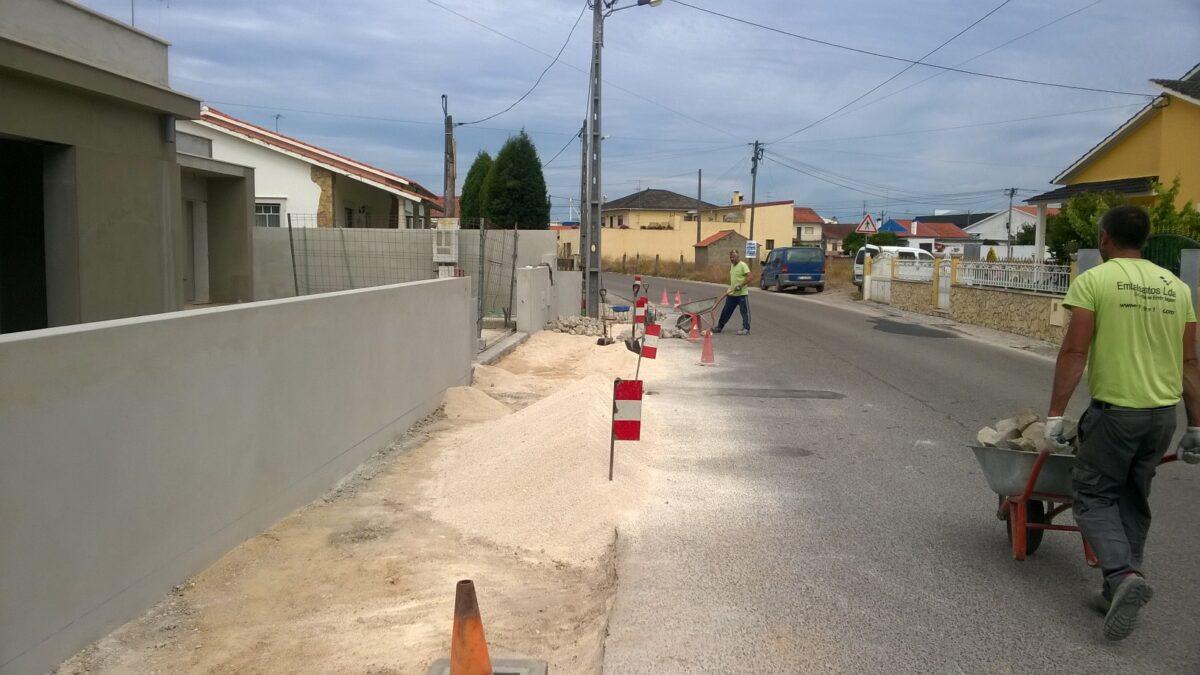 conduta_pluvial_e_reposicao_de_calcada_rua_joao_louro_de_almeida_casal_da_areia