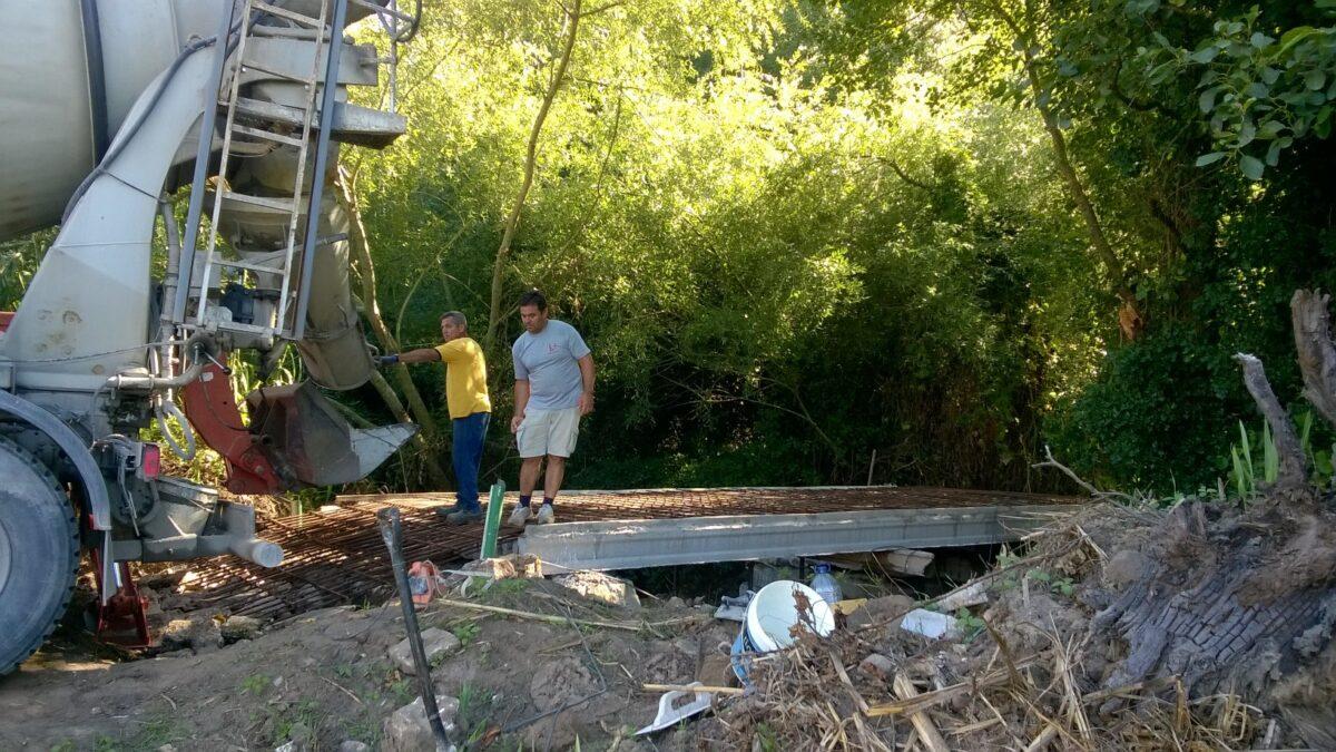 construcao_de_ponte_na_ribeira_do_pereiro_para_acesso_as_propriedades_agricolas_e_florestais_